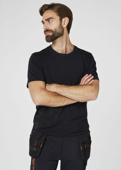 79198 Helly Hansen Workwear Men's Chelsea Evolution T-shirt, Front Black Onbody 2