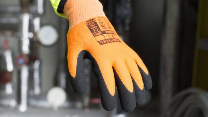 Portwest AP02 Thermo Pro Insulated Grip Glove, Waterproof on body
