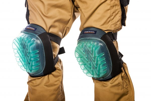 Ultimate Gel Knee Pad - Portwest KP60, On body